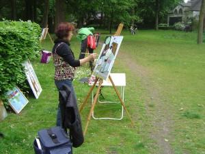 Anneke als kunstschilder aan het werk